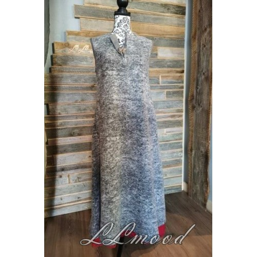 Wool dress with linen lining