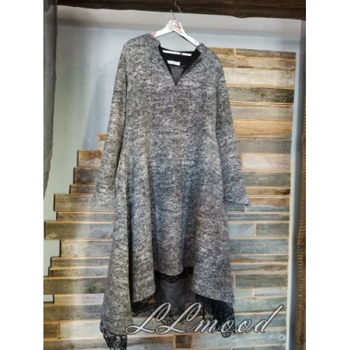 Wool dress with lace