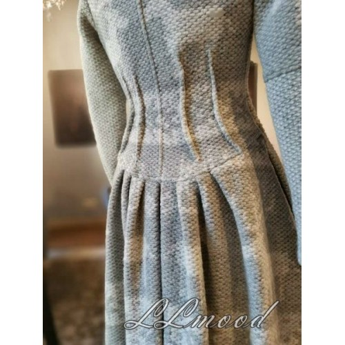 Wool coat with linen lining